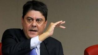 Insano, deputado do PT e ex-presidente da OAB (RJ) ofende gravemente ministro do STF