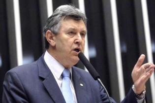 """""""Haddad, Lula, PT: é tudo a mesma coisa, vão tentar torcer a cabeça do povo, mas não vão conseguir"""" declara senador eleito pelo RS"""
