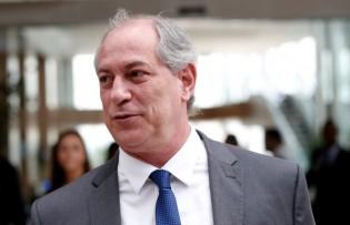 Ciro Gomes volta da Europa e vota em Bolsonaro