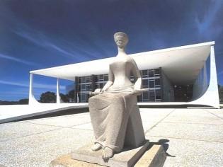 "Nossa última esperança: ""Ainda há juízes em Brasília"""