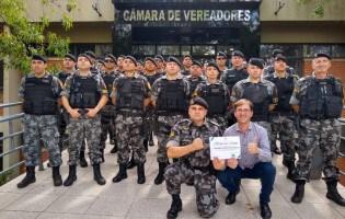 Novos tempos: Policiais que exterminaram assaltantes são homenageados em sessão solene