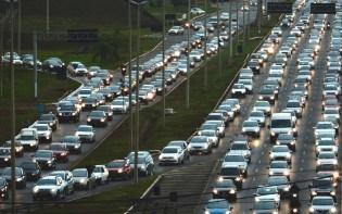 """A complicada situação da mobilidade em Brasília, a """"capital dos engarrafamentos"""""""