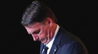 A Grande Mídia se aviltando na perseguição a Bolsonaro