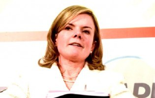 Gleisi acusa Maia e Alcolumbre por fatos políticos ocorridos quando ainda eram crianças