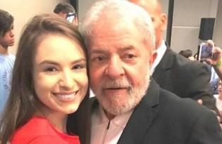 Moça problemática, fã de Lula, inventa grave mentira sobre a operação de Bolsonaro