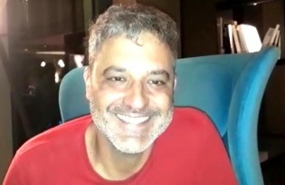 Cineasta petista tenta homenagear Lula no festival de Berlim e passa vergonha (Veja o Vídeo)