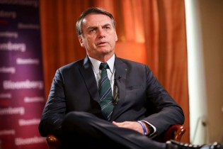 Enquanto mídia ataca Bolsonaro, economia segue crescendo