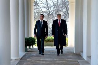 Trump, Bolsonaro e o socialismo: quem tem inimigos imaginários? (veja o vídeo)