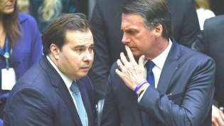 Bolsonaro joga Maia na fogueira (Veja o Vídeo)