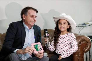 Em entrevista para repórter mirim, Bolsonaro manda recado para 2023 (Veja o Vídeo)