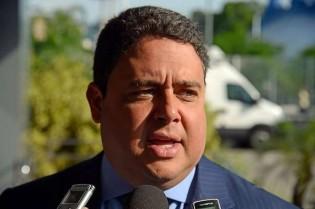 """Presidente da OAB pode ter sua desastrada gestão interrompida mais cedo por """"FDP"""" virtual"""