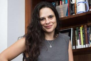 Janaína Paschoal começa a recuperar o bom senso