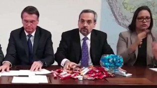 "Juíza Federal da Bahia determina que MEC suspenda ""cortes"""