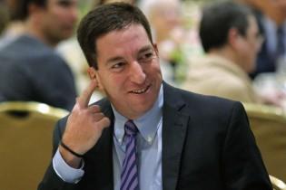 """""""Glenn Greenwald conseguiu descer ainda mais baixo com seu jornalismo de quinta"""", diz Renata Barreto"""