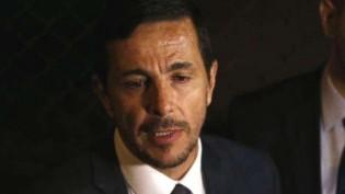 """Debochado, mandando """"beijinhos"""", advogado de Adelio revela quem paga os seus honorários (Veja o Vídeo)"""
