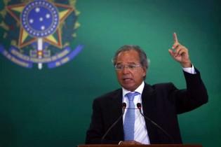 "Paulo Guedes ""despedala"" R$ 3 bilhões de dívida criada por Dilma"