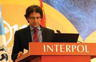 """Ex-diretor da Interpol afirma: """"As conquistas da Lava Jato nunca correram um risco tão grande. O império do mal contra-ataca!"""""""