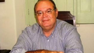 Empresário comete suicídio na frente de governador e ministro