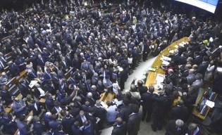 Redução do número de deputados federais, o inchaço revelou-se desmedido