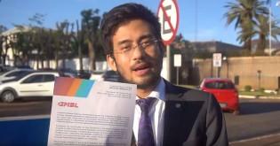 Ir à embaixada da França pedir desculpas é indigno até para um filhote de Tucano