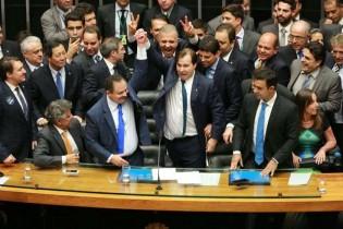 Deputados e ódio: mais de 300 parlamentares não respeitam o povo e agem sorrateiramente na calada da noite
