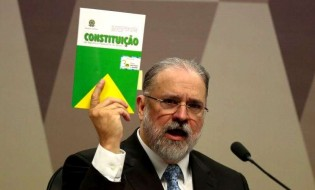 Ao ser sabatinado na CCJ do senado, o PGR Augusto Aras cometeu um erro crasso. Confira qual foi...