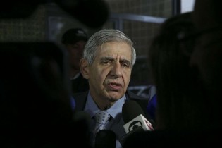 Desesperada, Rede Globo chora as mágoas para o General Augusto Heleno (Veja o Vídeo)