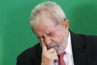 """Estadão reconhece em editorial o desastre que foi """"a bilionária aventura petista"""""""
