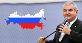 Presidente da CPMI das fake news estranhamente busca conhecimento na Rússia (Veja o Vídeo)