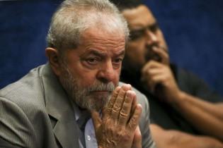 Para os petistas mais apaixonados, Lula é a única virgem do prostíbulo
