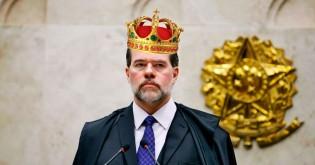 """O """"rei"""" e o inimaginável surto de autoritarismo"""