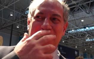 Aparentando embriaguez, Ciro Gomes arruma confusão em bar (veja o vídeo)