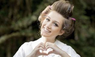 Filha de políticos, jovem e bela advogada, namorada do maior doleiro do país, vai continuar presa