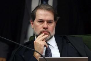 Em plantão catastrófico, Dias Toffoli toma mais uma decisão INCONSTITUCIONAL
