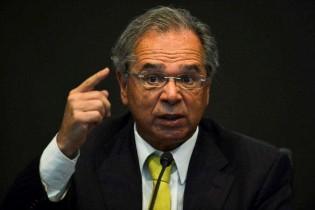 Em encontro com líderes mundiais Guedes confirma interesse da Apple no Brasil