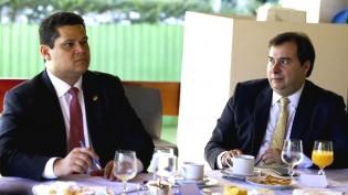 """A velha política retorna da """"folga"""" carnavalesca: """"Foda-se"""""""
