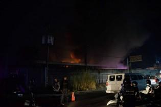 Quase 50 mil urnas eletrônicas são destruídas em incêndio na Venezuela