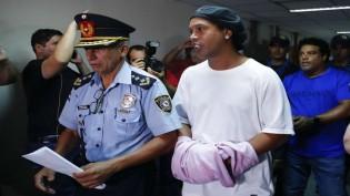 Quando escapar do xilindró no Paraguai, Ronaldinho tem nova encrenca a sua espera em POA
