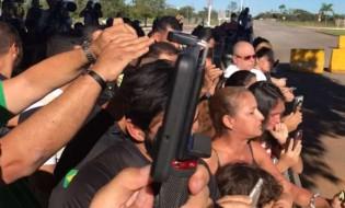 AO VIVO: Professora faz desabafo emocionado ao presidente Bolsonaro (veja o vídeo)