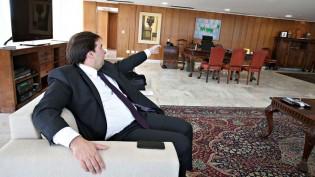 Na casa de Maia, hoje se reuniram Alcolumbre, ministros do STF e líderes do Congresso, afirma Roberto Jefferson