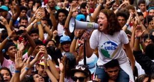 Perfis de esquerda fazem apologia a facada e incitam morte de Bolsonaro e apoiadores