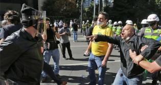"""""""Antifas"""" versus """"Bolsonaristas"""" - """"O mal não descansa"""""""