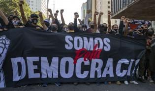 """Somos 70% contra o Bolsonaro."" Será?"