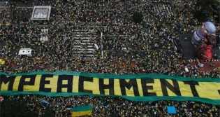 Foto de manifestação contra Dilma é usada pela Veja para atacar Bolsonaro