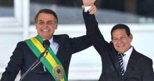 Chapa Bolsonaro-Mourão vence a primeira batalha no TSE