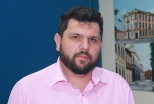 """Oswaldo Eustáquio é o primeiro jornalista do país """"preso político"""""""
