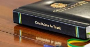 Uma Constituição fragmentada