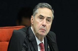 """Barroso """"despiora"""" o discurso e recua após a ADIn da AGU"""