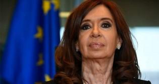 """Kirchner processa Google: Ela aparece como """"Ladra da nação argentina"""" nas buscas na plataforma"""
