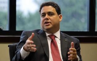 """O escândalo da OAB: Diretoria nacional racha e documenta fraude de Felipe Santa Cruz para favorecer """"arquivo vivo"""""""